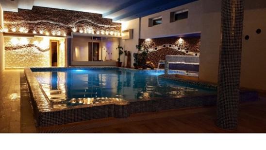 Rudnik:Noćenje za dvoje uz korišćenje dva bazena u Vili Etna!