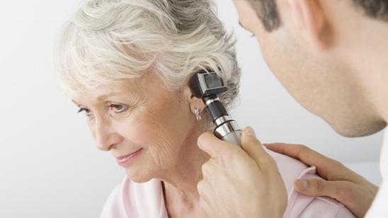 Pregled lekara i ispiranje ušiju!