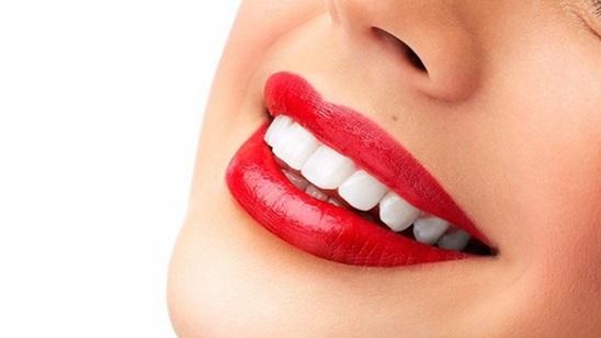 Tri ili šest tretmana laserskog beljenja zuba!