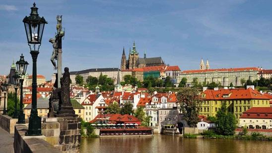 Prag: 490din i 59€, 2 noćenja sa doručkom i prevoz!