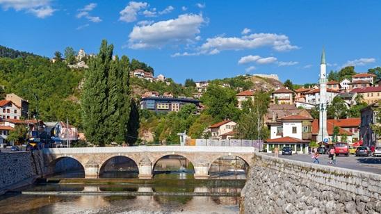 Sarajevo:350 din i 39€, noćenje i prevoz!