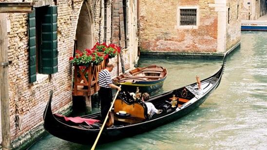 Venecija: 290din i 36€, jednodnevni izlet, prevoz i brodić!