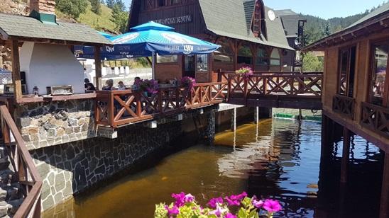Zlatibor: Pun pansion u Etno selu Zlatiborska jezera u septembru!