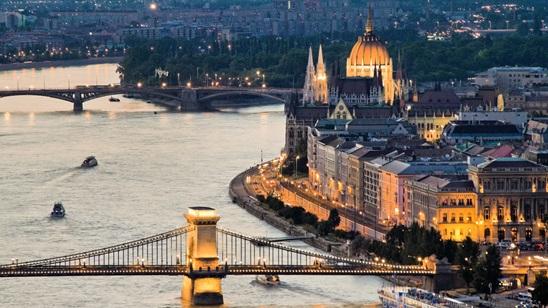 Budimpešta: 190din i 32€, za noćenje sa doručkom i autobuski prevoz!