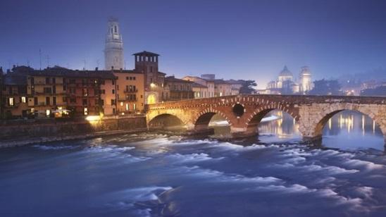 Severna Italija: 490din i 75€, 2 noćenja sa doručkom i prevoz!
