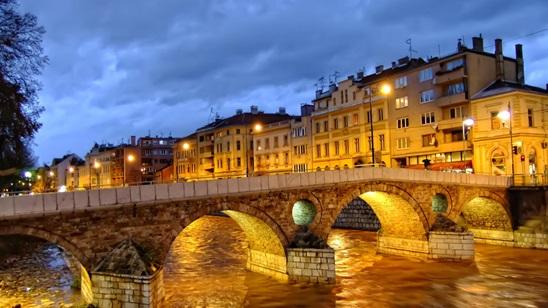 Sarajevo: Nova godina, 300din i 40€, 1 noćenje sa doručkom i prevoz!
