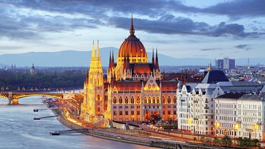 Budimpešta: 190din i 35€, noćenje sa doručkom i prevoz!