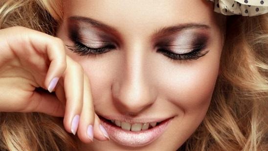 Nadogradnja svilenih trepavica - one by one u salonu 6 Beauty!