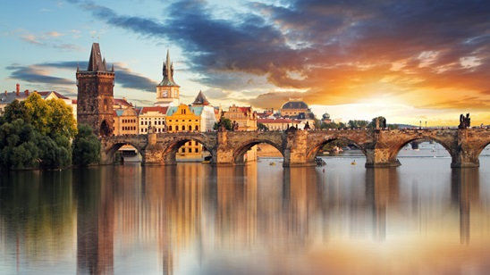Prag: 500din i 65€, 2 noćenja sa doručkom i prevoz!