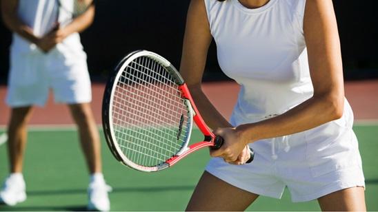 1h rekreativnog tenisa na zatvorenim terenima Teniskog kluba Haron!