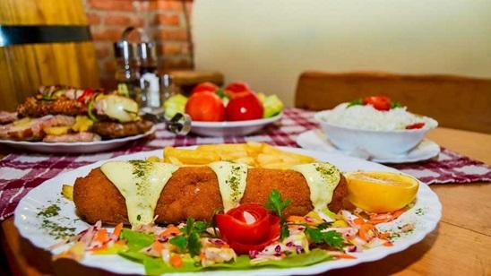 Karađorđeve šnicle sa pomfritom, supa i desert za dvoje!