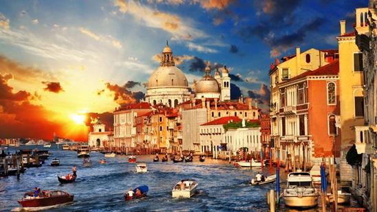 Venecija, 1 maj:  250din i 77€, dva noćenja sa doručkom i prevoz!