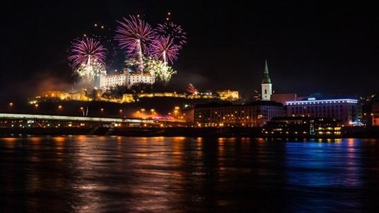 Bratislava, Beč, Budimpešta, Nova godina: 890din i 110€, 2 noćenja sa doručkom i prevoz!
