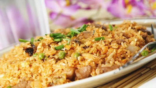 Chicken Biryani, dve salate i dva dezerta!