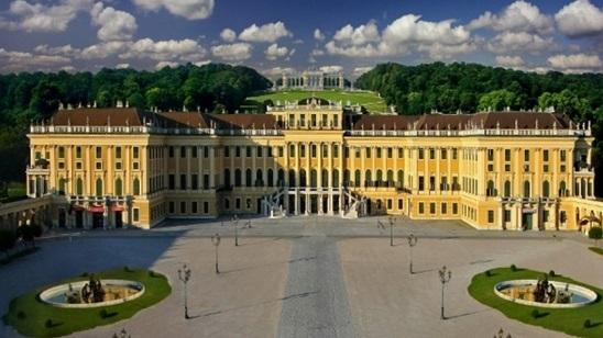 Beč: 700din i 89€, 2 noćenja sa doručkom i prevoz!