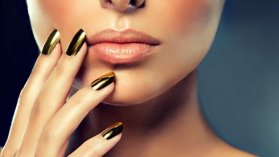 Izlivanje ili nadogradnja noktiju!