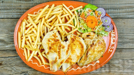 Grilovana piletina sa pomfritom i pileća supa za dve osobe!
