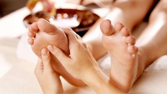 Laseropunktura i refleksologija stopala u centru lepote Hren!