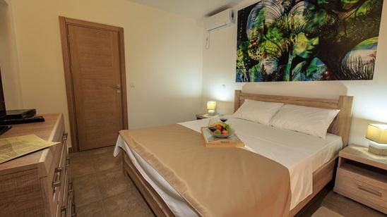 Sutomore, Lux Vila Sunce: 7 punih pansiona za jednu osobu već od 1.090 din i 112€!