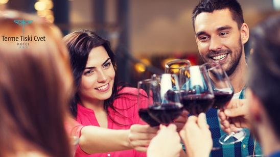 Novi Bečej: Vinsko veče u Hotelu Tiski cvet, polupansion i korišćenje Spa centra za dvoje!
